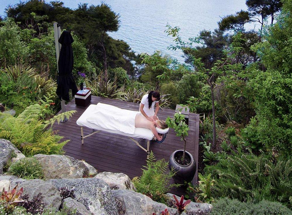 Luxury-Accommodation-Split-Apple-Retreat-deep-tissue-Massage-Spa-Wellness.jpg