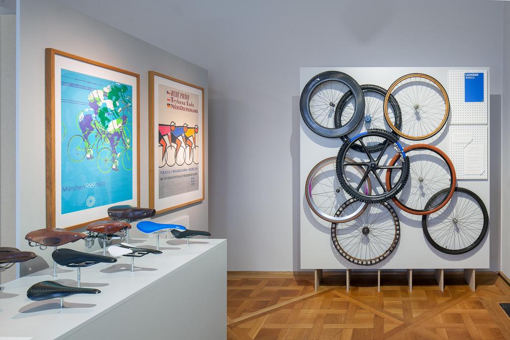 """Ausstellungsansicht """"Der eigene Antrieb - oder wie uns das Rad bewegt"""", Foto: Tomáš Souček, © SKD"""