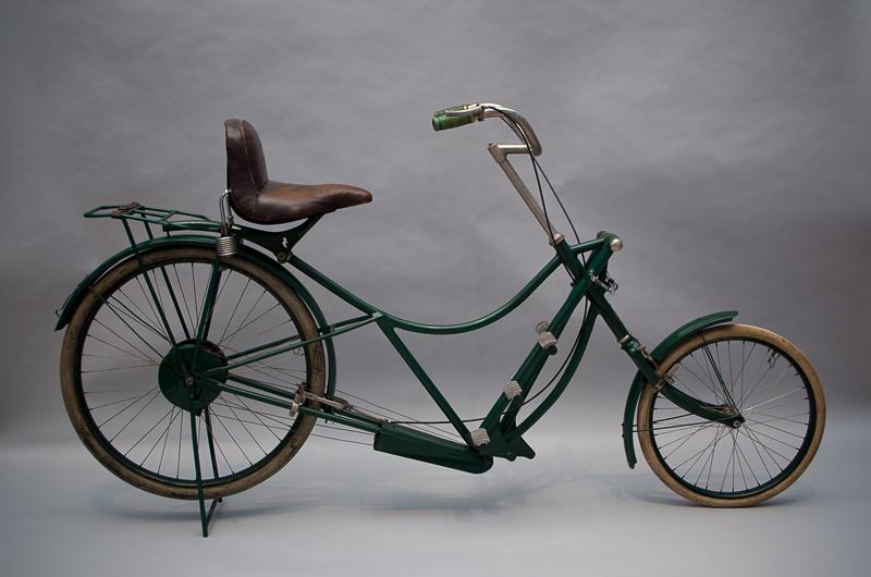 "Trethebelfahrrad ""J-Rad"", Design: Paul Jaray, Hersteller: Hesperus, ca. 1921, Leihgeber: Verkehrsmuseum Dresden, Foto: Sarah Seefried, (c) SKD"