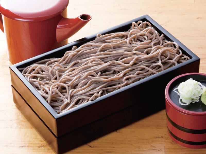 ざる蕎麦(幌加内産そば粉100%使用)<br>Cold Soba with Sauce ($10)