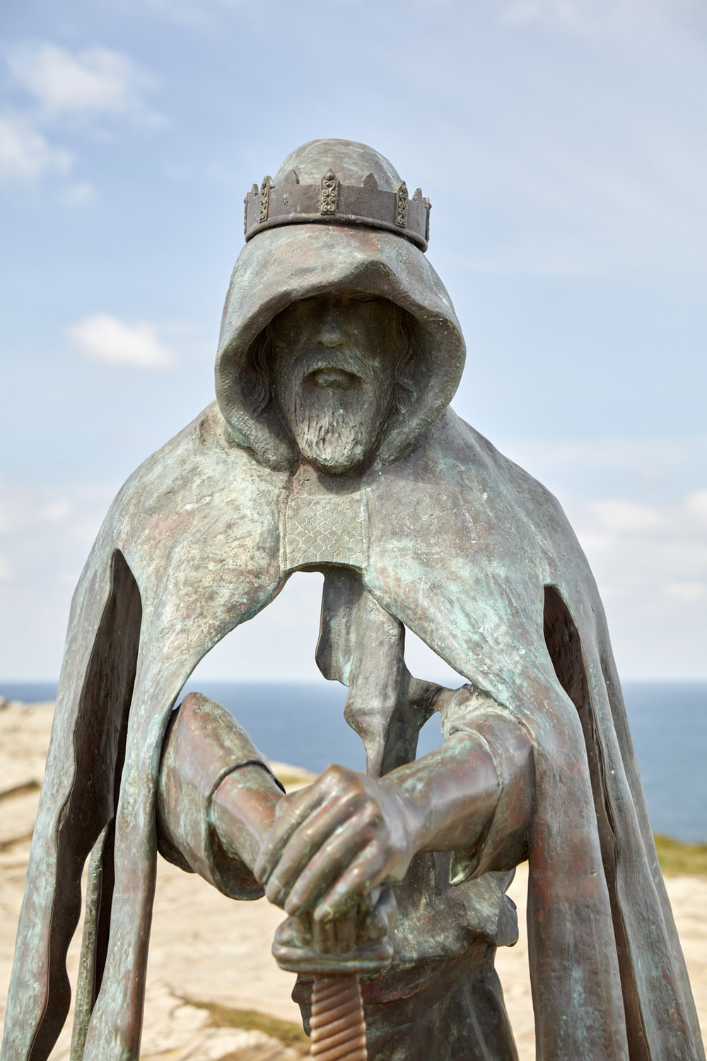 EH_TINTAGEL_BRONZE_SCULPTURE_002.jpg