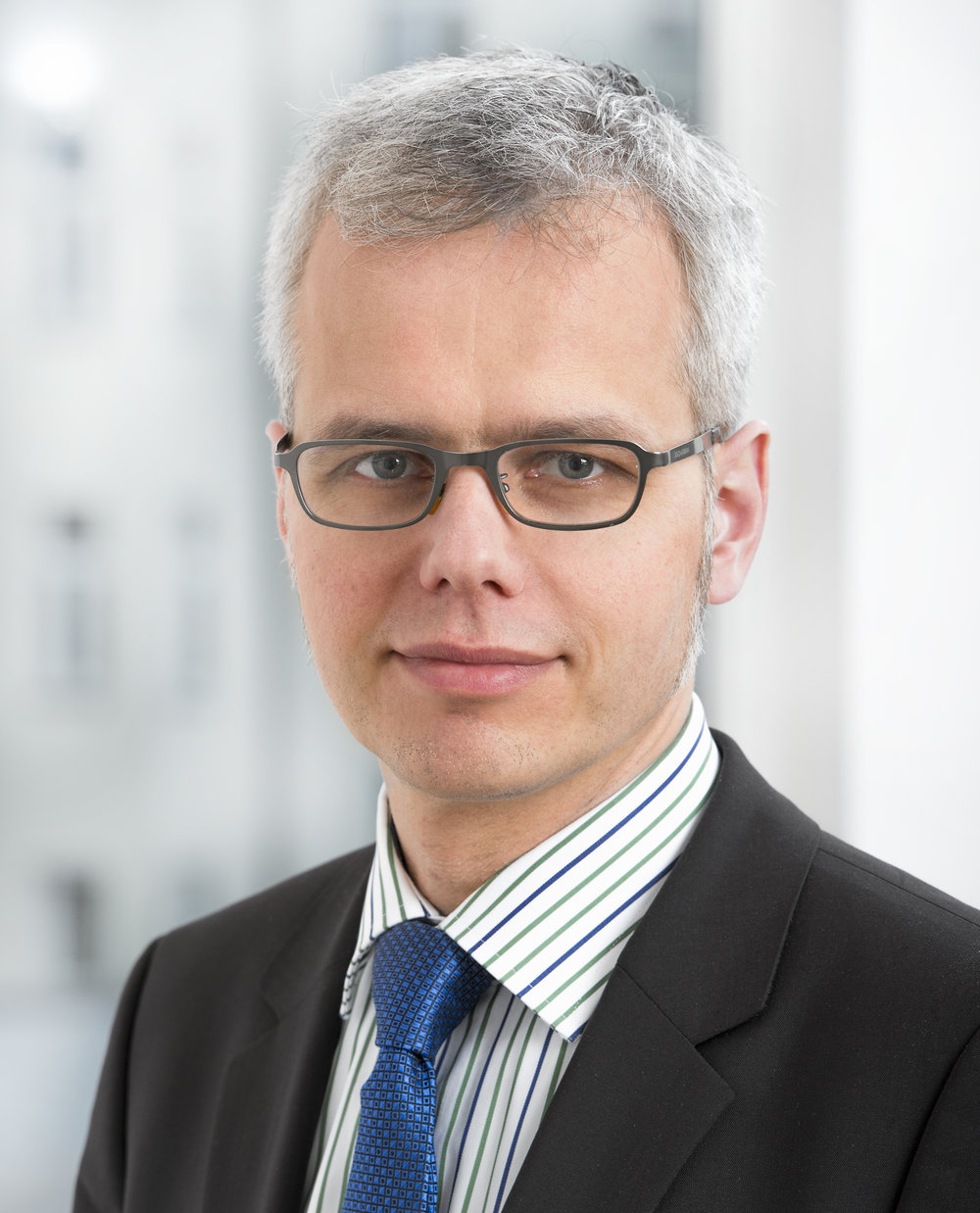 Dr. Stefan Lipowsky, Senior Manager, it-economics