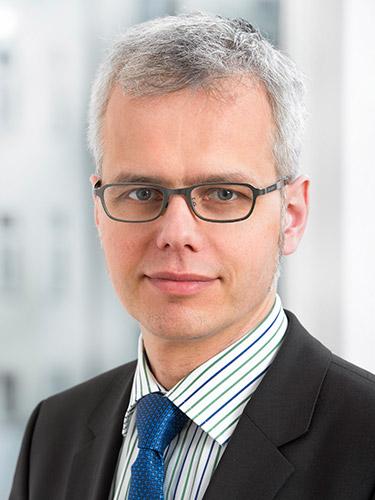 Stefan Lipowsky, Senior Manager, it-economics
