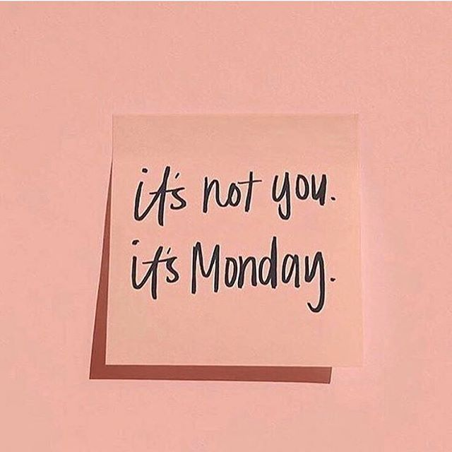 I wake up, to get my cake up, I'm out here grindin'. We are reclaiming Monday! No need to be sluggish, don't dread the first day of the week, make it your own. Take your time today if you have to but make sure you're giving positive energy to the new week. 💕#CreativeSmartGirl