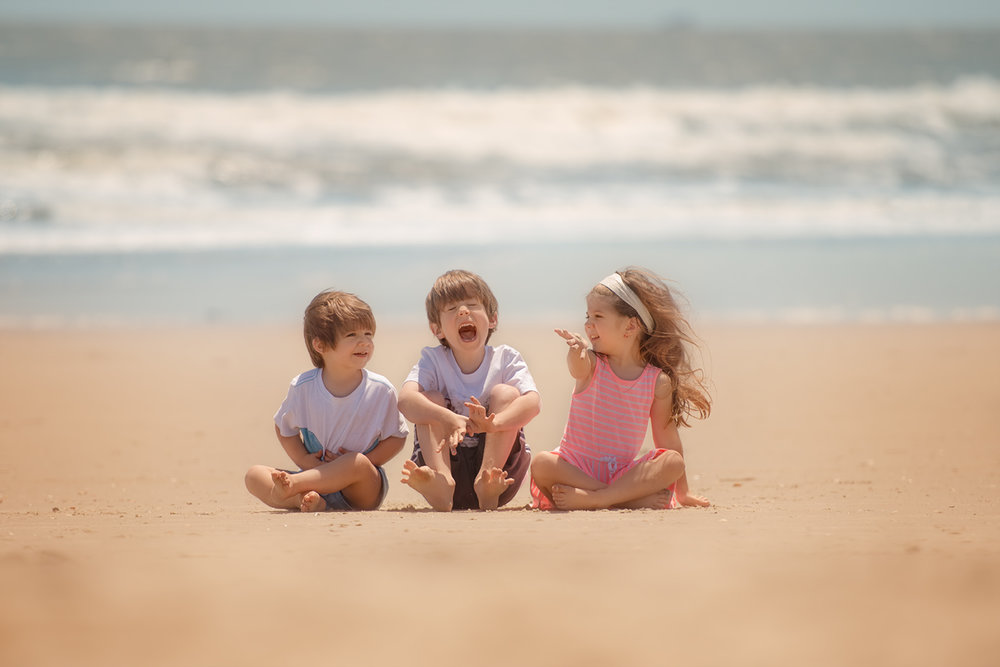 charleston-sc-beach-family-picture.jpg