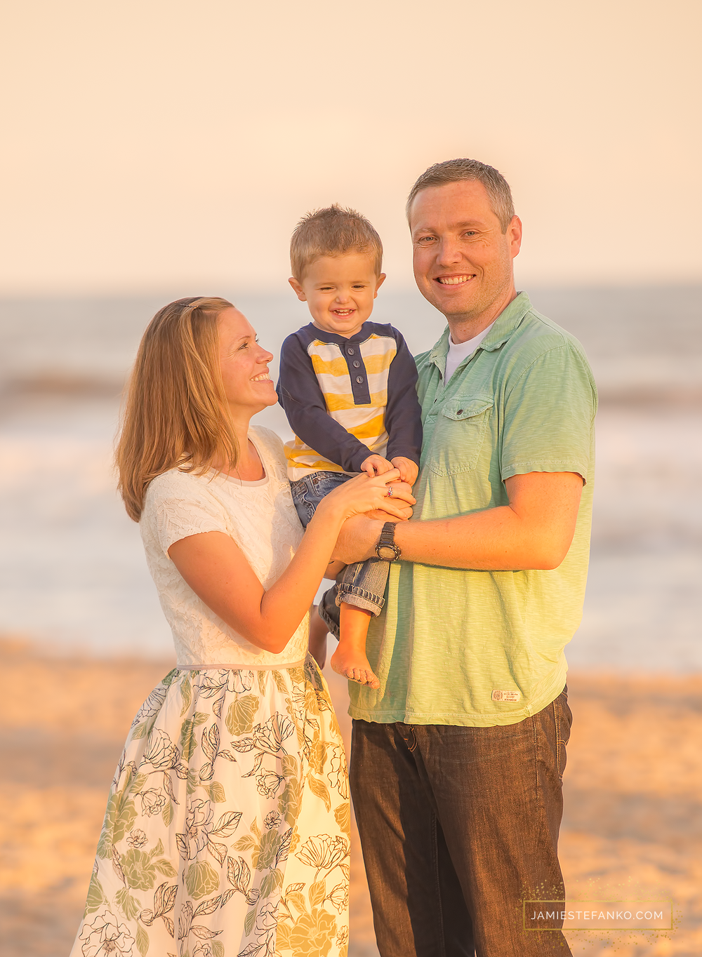 charleston_sc_sunset_family_beach_photographer_folly_08.png