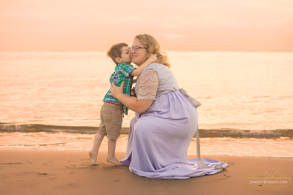 charleston-sc-beach-sunrise-maternity-09