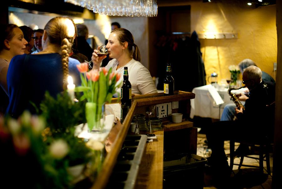 nordic-championship-herring-cozy-specialty-fine-food-nyhavns-faergekro-nyhavn-copenhagen-annual-event-february
