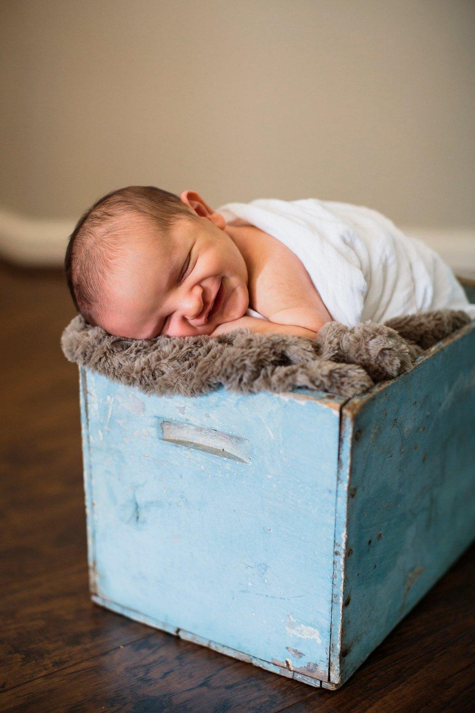 Andrew newborn 114_Blog.jpg