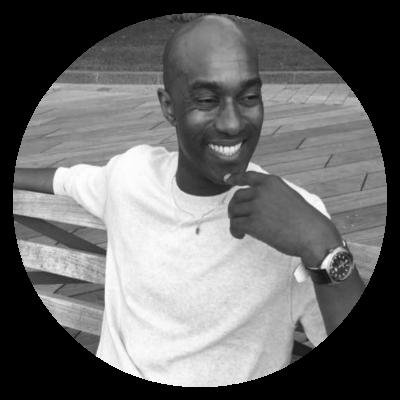 Friday   Entrenador Personal  Friday es un profesional dedicado y apasionado que ayuda a sus clientes neoyorquinos a alcanzar sus metas de salud y fitness.