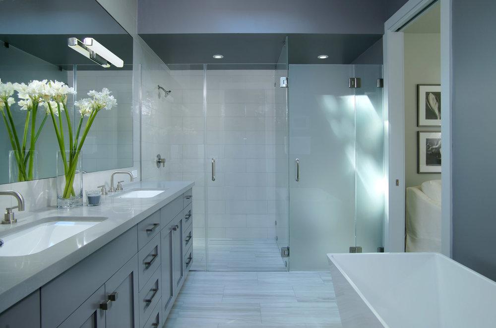 290 Master Bath.jpeg
