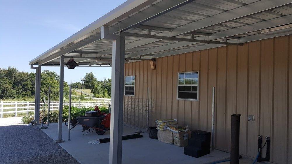 June's Raised Center Aisle Horse Barn with Living Quarters