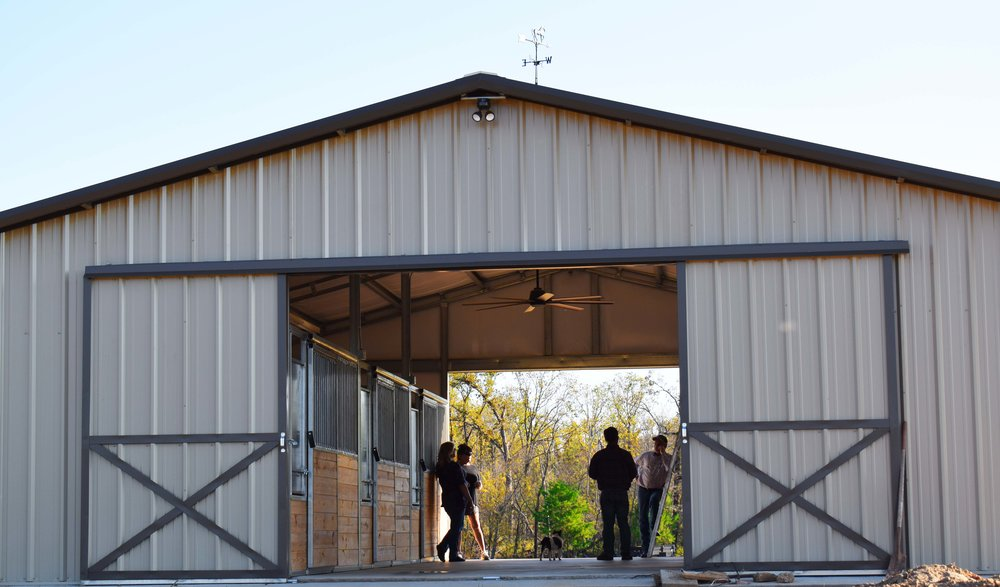 straight-gable-horse-barn-sliding-door
