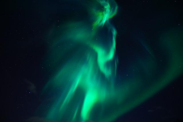 northern-lights-3273425_640.jpg