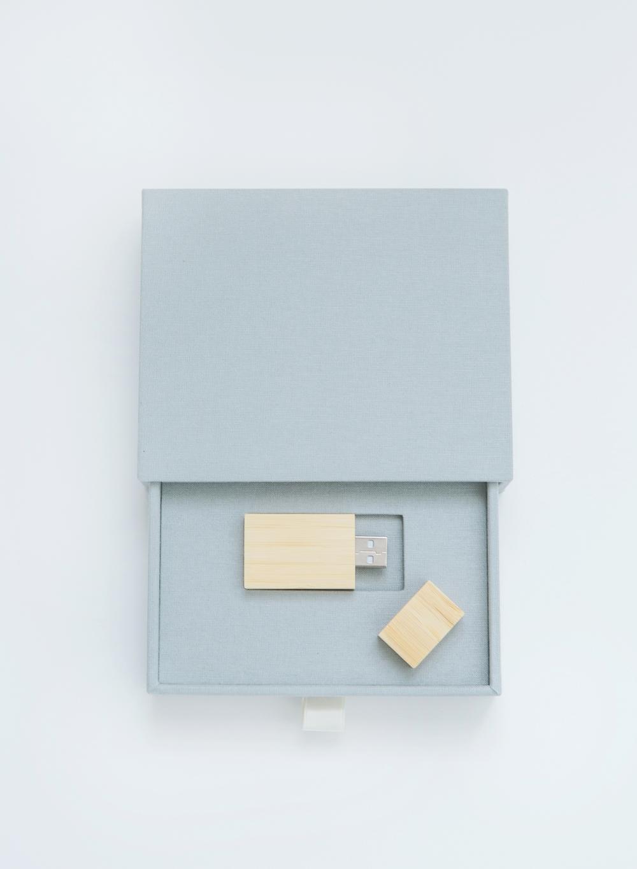 USB-presentation-silver.JPG