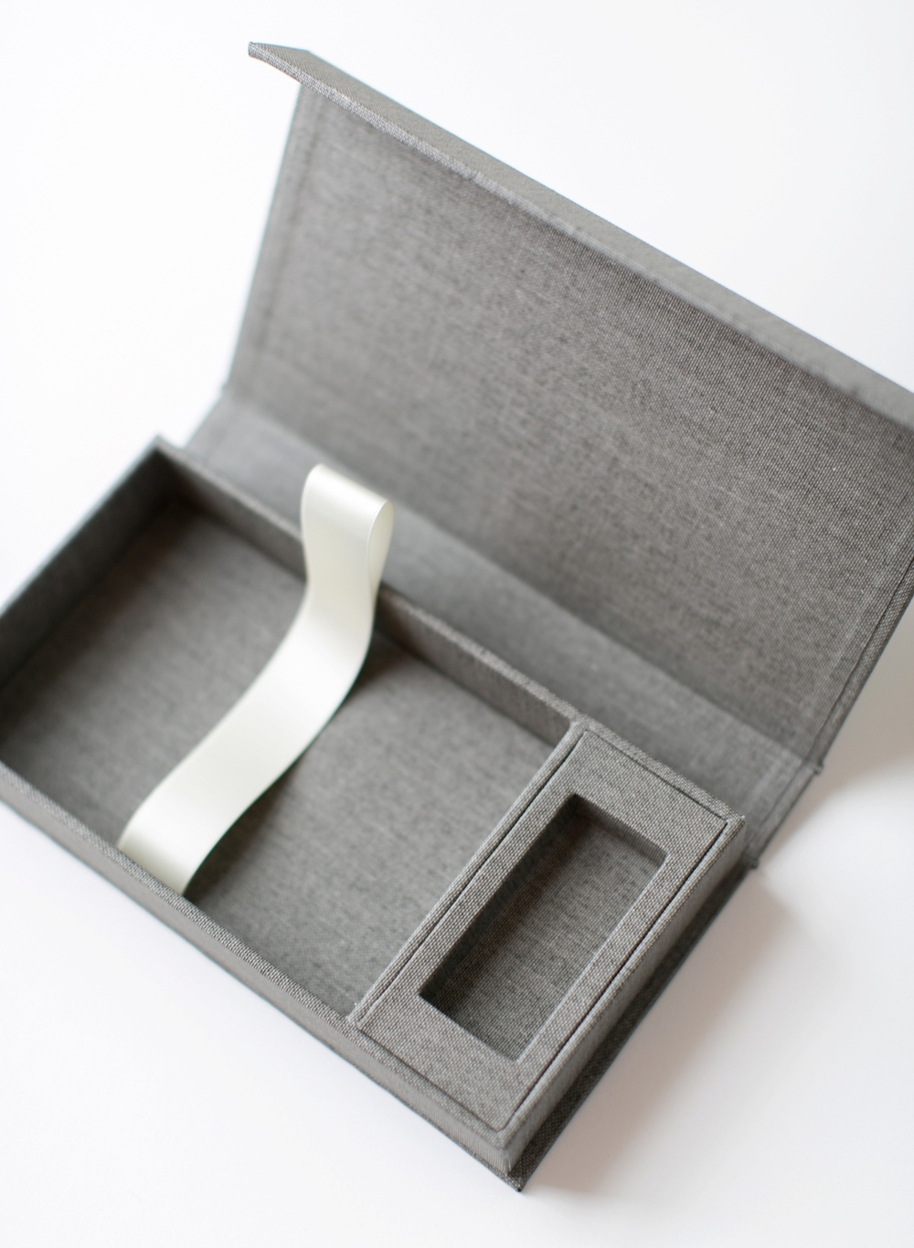 7-4x6-USB-graybuckram_02.JPG