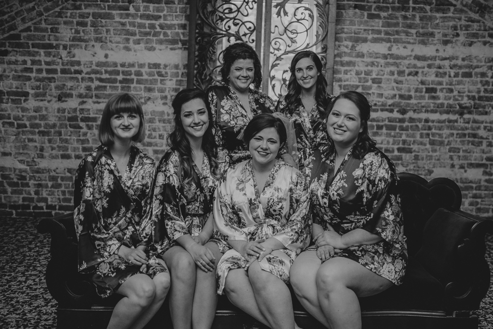 Emily and Jacob Photography | Memphis TN | memphis-tennessee-wedding-photographer-kelseyandshea-vintage-woodruff-fontaine
