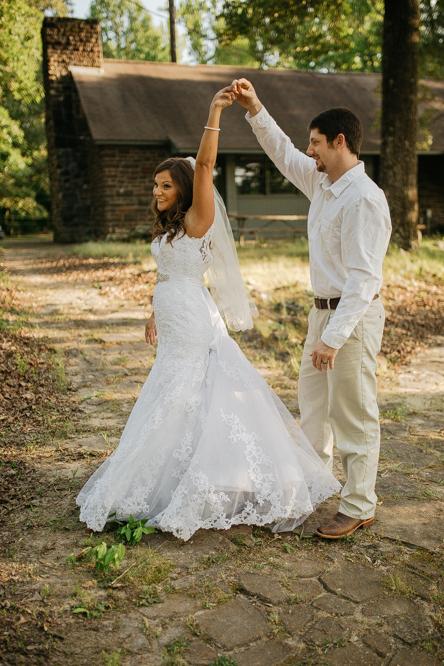Emily + Jacob Photography | Day After Session - Haley and Joe | Memphis Wedding Photographer | memphis-wedding-photographer-day-after-session-bride-and-groom-nature-haleyandjoe