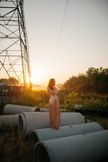 Emily + Jacob Photography | A Sunrise Garden Anniversary Session | Memphis Tennessee Wedding Photographer | memphis-tennessee-wedding-photographer-garden-sunrise-anniversary-session-chic-rosegold-flowers-romantic