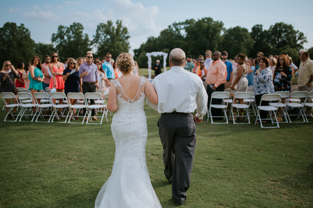 A Rustic Golf Club Wedding | Andrew and Kelsey | Memphis Tennessee Wedding Photographer | Emily + Jacob Photography | memphis-tennessee-wedding-photographer-a-rustic-golf-course-golf-club-wedding-unique-diy-summer