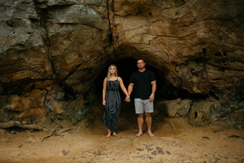 Adventure Session | The Hatches | Destination Wedding Photographer | Petit Jean State Park - destination-wedding-photographer-adventure-session-engagement-petit-jean-state-park-morrilton-arkansas-unique-creative-modern-photography