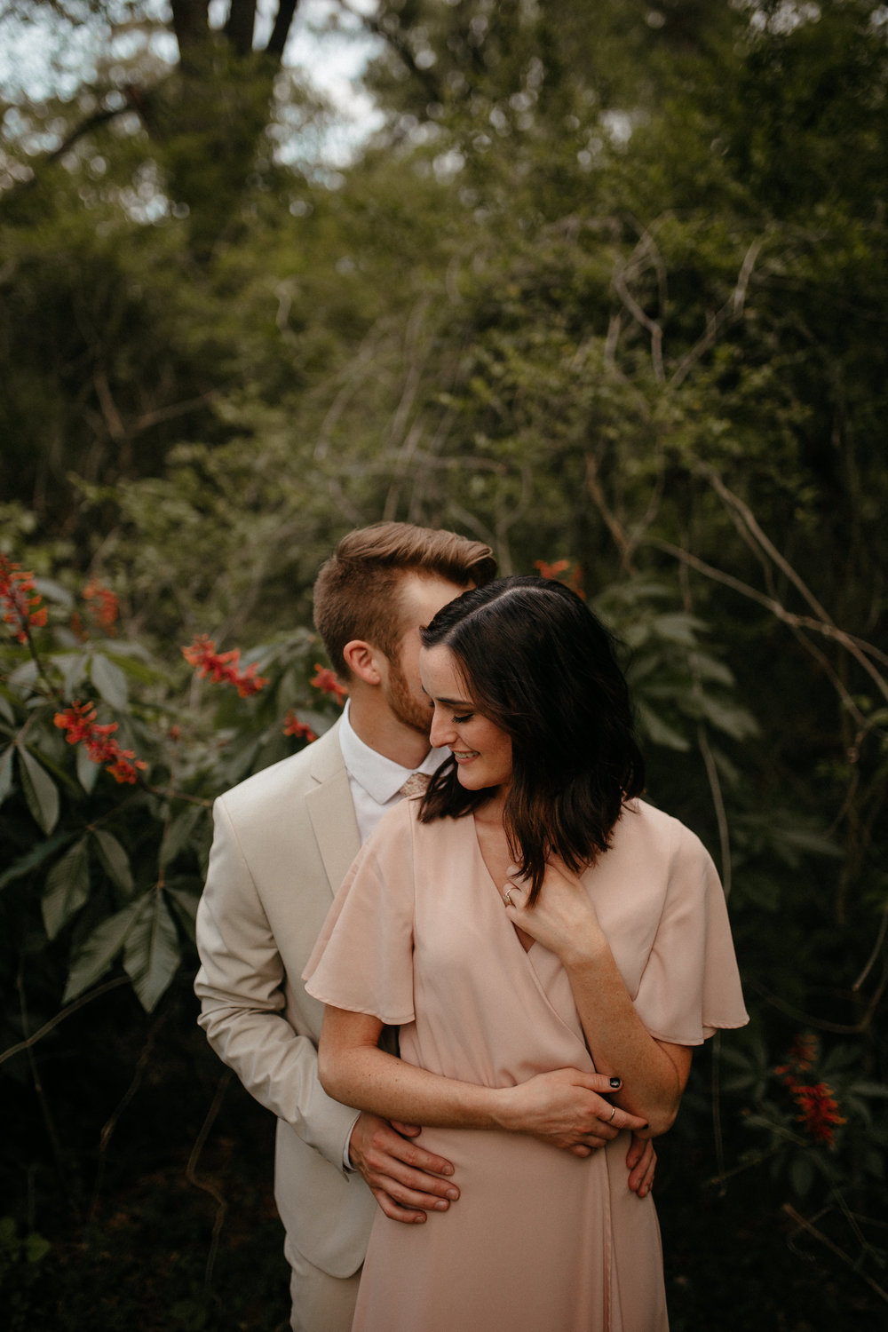 memphis-tennessee-wedding-photographer-the-hatches-utah-colorado-washington-arizona-oregon-yosemite-national-park-elopement-adventure-emotional-journalistic-spring-florals-colorful-intimate