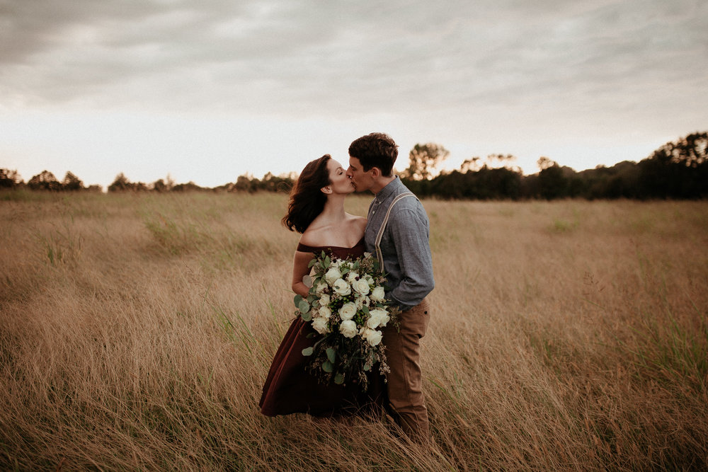 memphis-gatlinburg-nashville-tennessee-wedding-photographer-the-hatches-utah-colorado-washington-arizona-oregon-yosemite-national-park-elopement-adventure-emotional-journalistic-bohemian-florals-minimalistic-winery-elegant-timeless-engagement