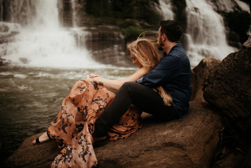 memphis-gatlinburg-nashville-tennessee-wedding-photographer-the-hatches-utah-colorado-washington-arizona-oregon-yosemite-national-park-elopement-adventure-emotional-journalistic-bohemian-florals-minimalistic-winery-elegant-timeless-engagement-waterfall