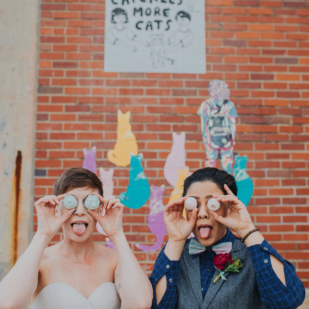 Playful+and+Colorful+LGBTQ+wedding+inspiration+styled+shoot+with+hedgehog,+dog,+and+iguana+in+Columbus+Ohio-2.jpeg
