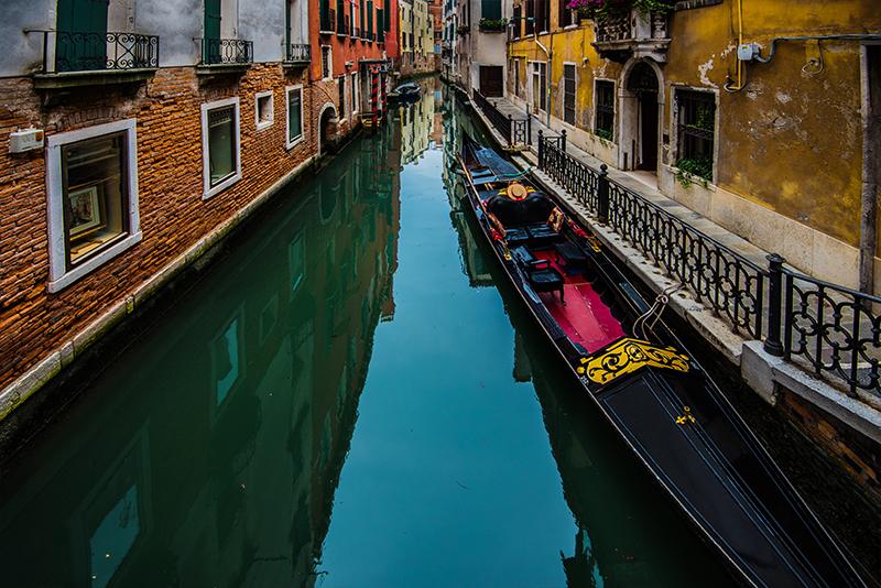 Gondola Waiting for Customer  (1 of 1).jpg