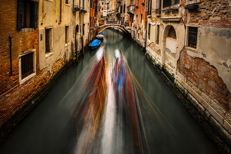 Blurred Gondolas (1 of 1).jpg