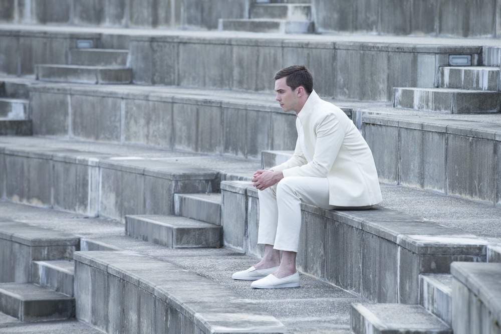 Equals , Isolation Visual Aesthetic