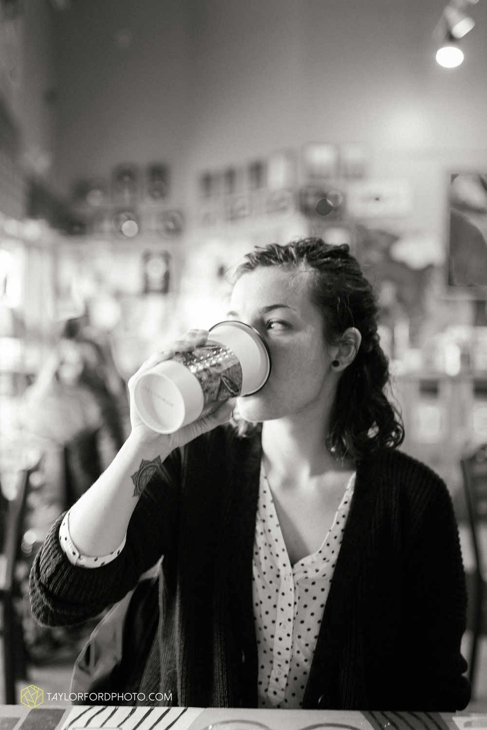 fort_wayne_photographer_taylor_ford_firefly_coffee_house_0191.jpg