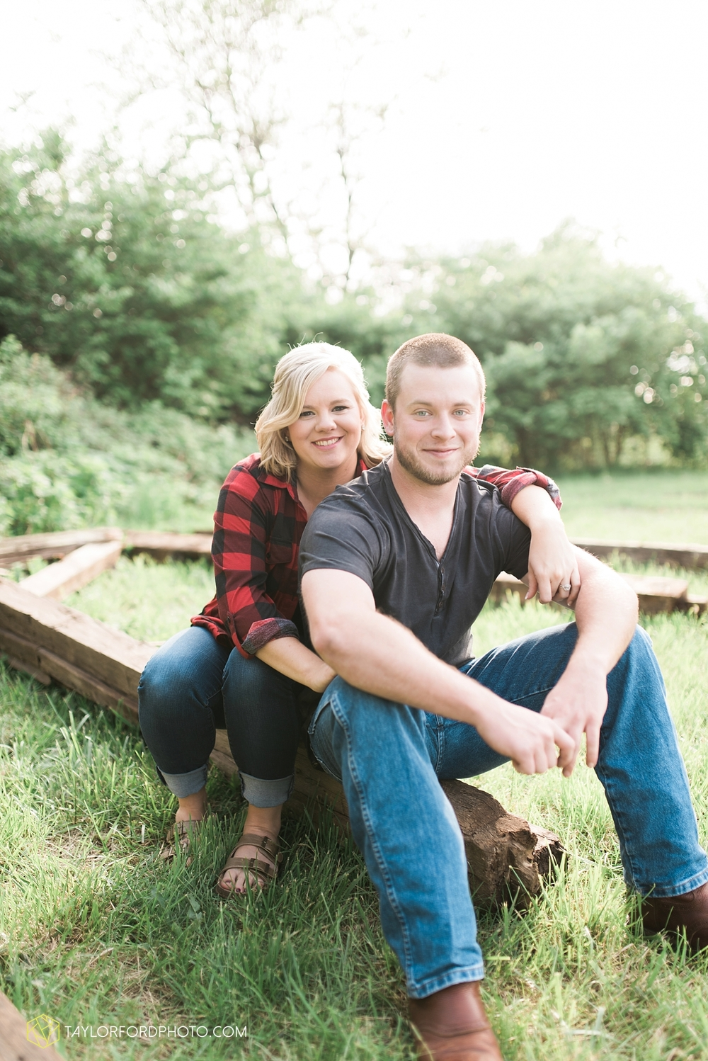 van_wert_ohio_engagement_photography_taylor_ford_0848.jpg