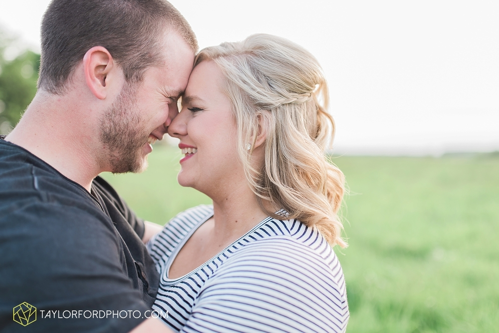 van_wert_ohio_engagement_photography_taylor_ford_0860.jpg