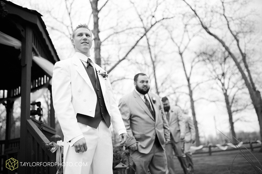 toledo_ohio_wedding_photographer_taylor_ford_photo11.jpg