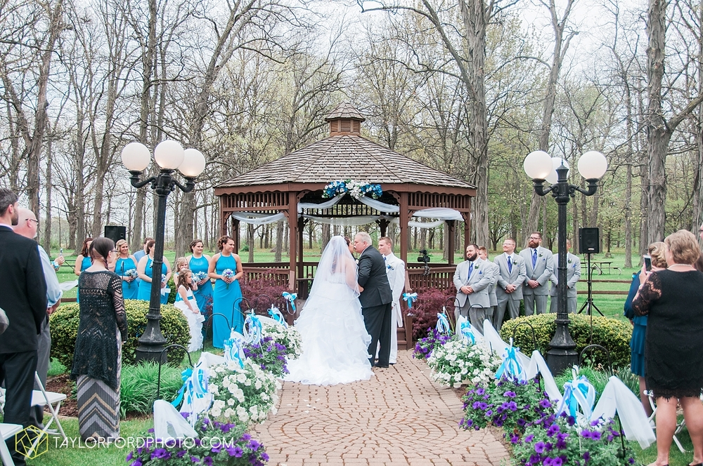 toledo_ohio_wedding_photographer_taylor_ford_photo17.jpg