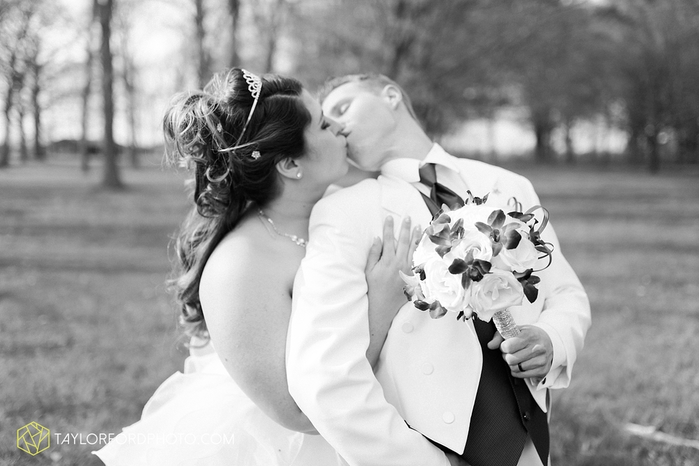 toledo_ohio_wedding_photographer_taylor_ford_photo29.jpg