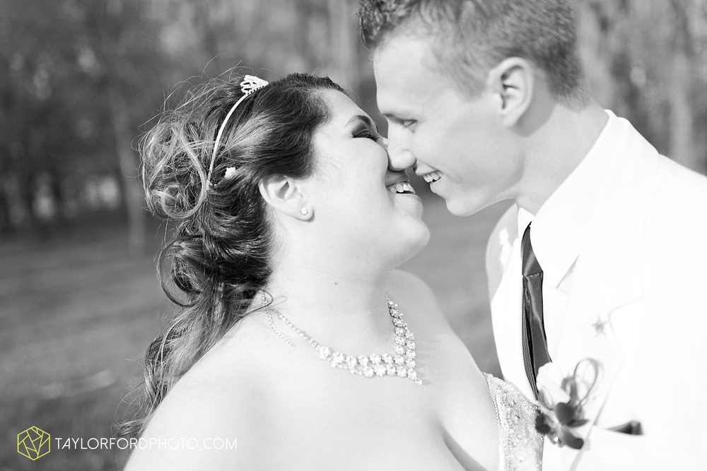 toledo_ohio_wedding_photographer_taylor_ford_photo32.jpg