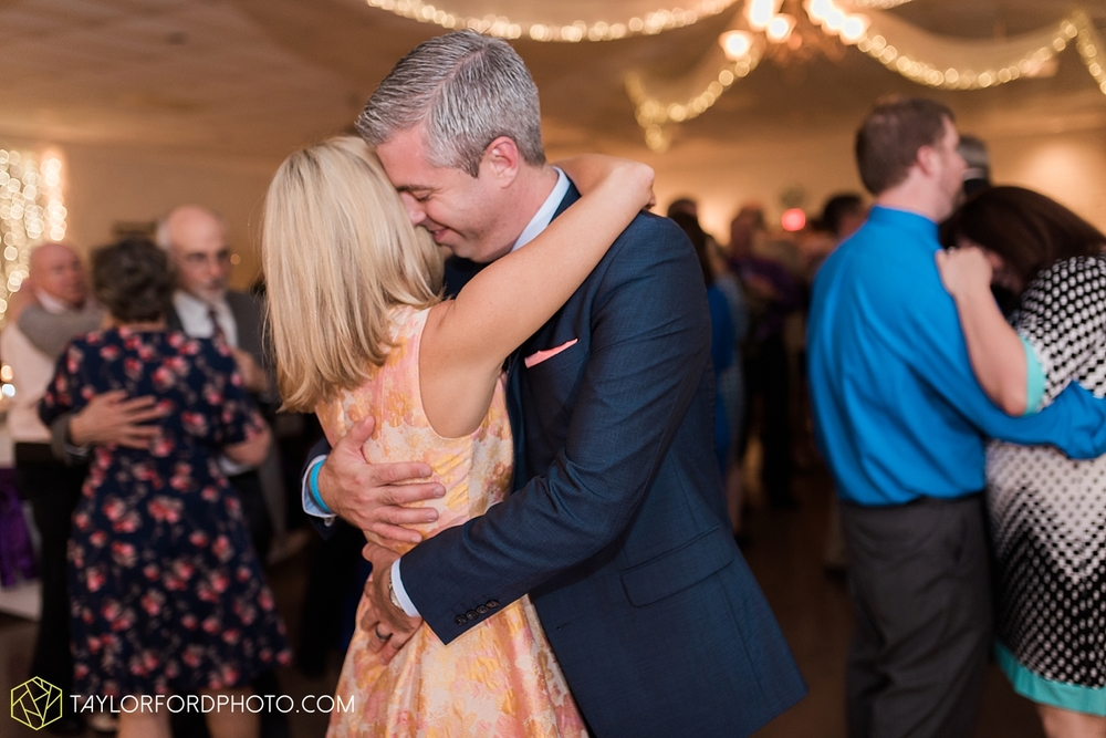 toledo_ohio_wedding_photographer_taylor_ford_photo41.jpg