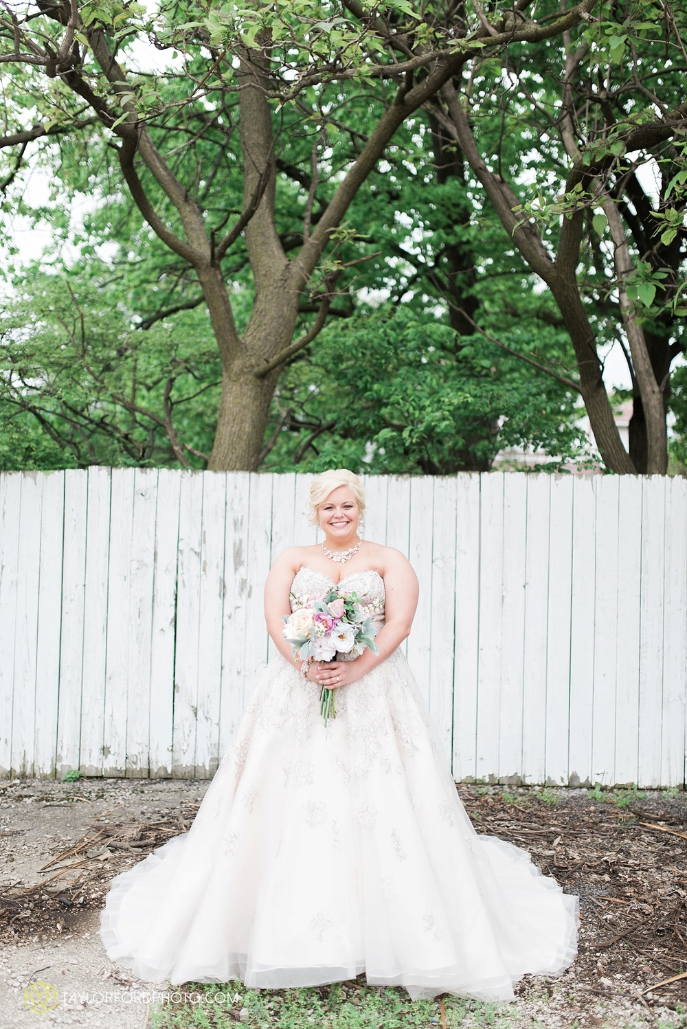 van_wert_ohio_wedding_photographer_taylor_ford_1224.jpg