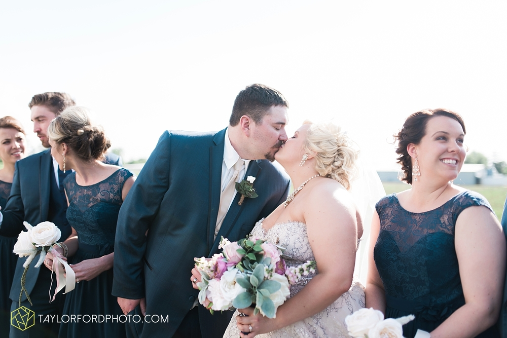 van_wert_ohio_wedding_photographer_taylor_ford_1290.jpg