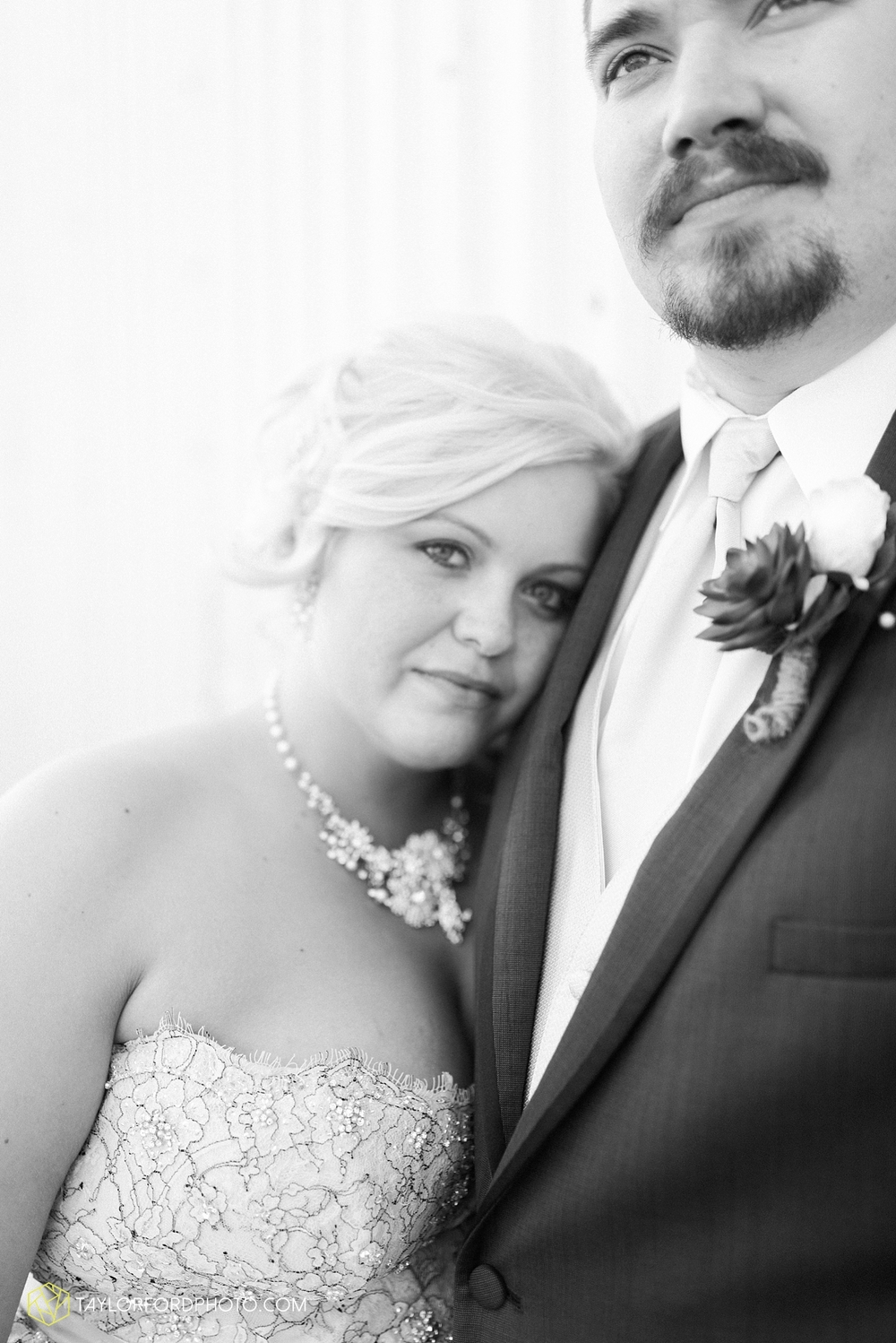 van_wert_ohio_wedding_photographer_taylor_ford_1303.jpg