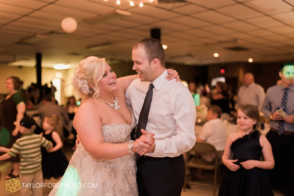 van_wert_ohio_wedding_photographer_taylor_ford_1307.jpg