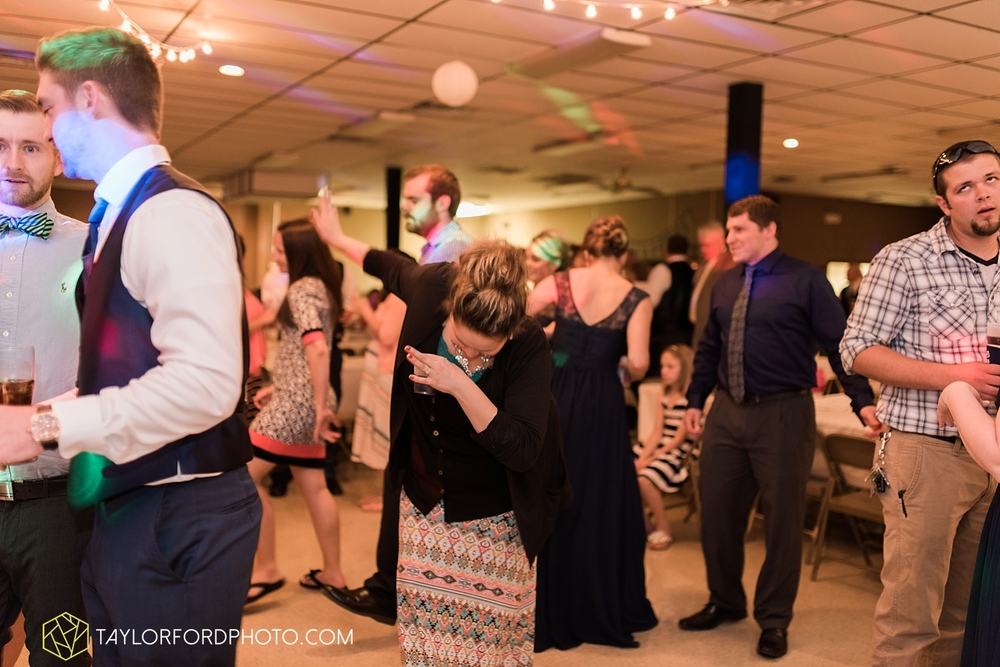 van_wert_ohio_wedding_photographer_taylor_ford_1316.jpg