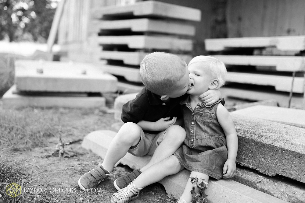 fort_wayne_indiana_family_photographer_taylor_ford_1433.jpg