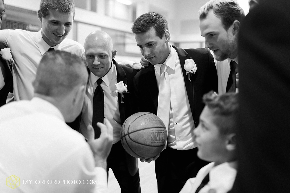 fort_wayne_indiana_wedding_photographer_taylor_ford_ipfw_ballroom_1582.jpg