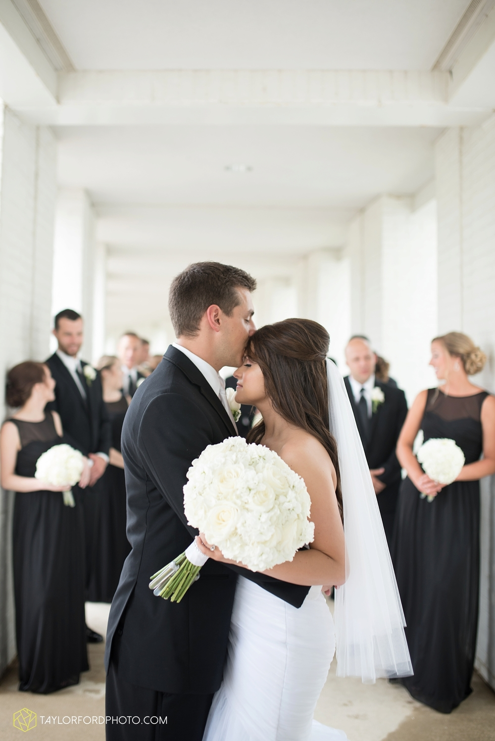 fort_wayne_indiana_wedding_photographer_taylor_ford_ipfw_ballroom_1613.jpg