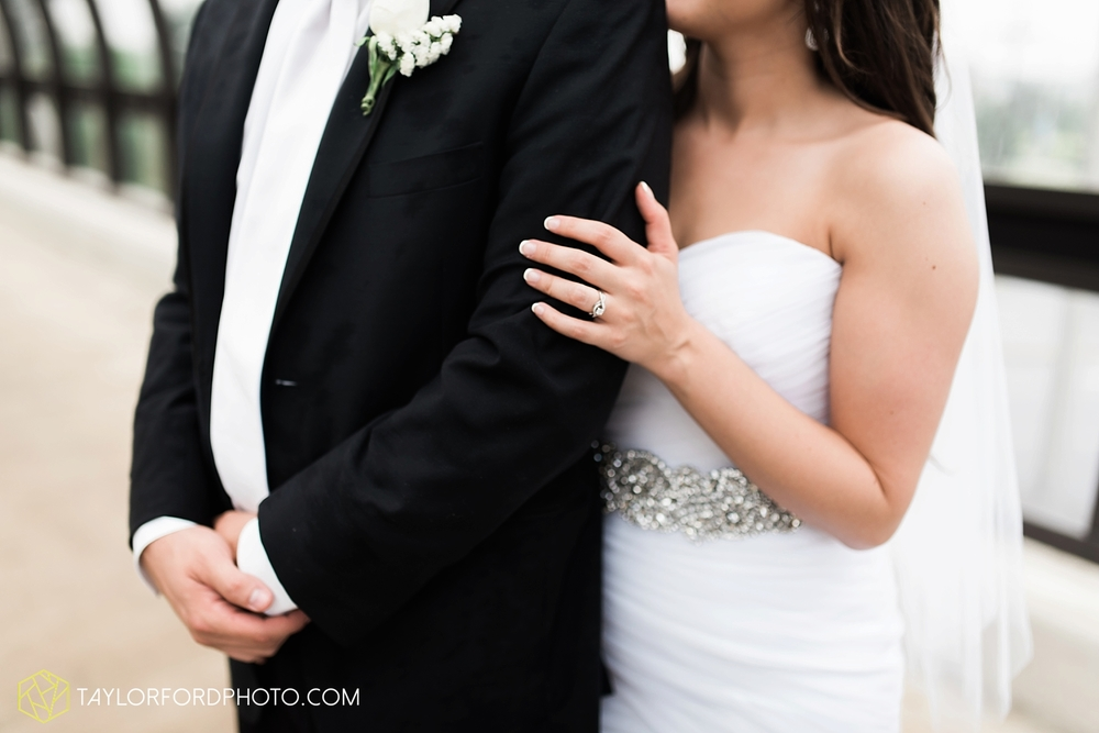 fort_wayne_indiana_wedding_photographer_taylor_ford_ipfw_ballroom_1616.jpg