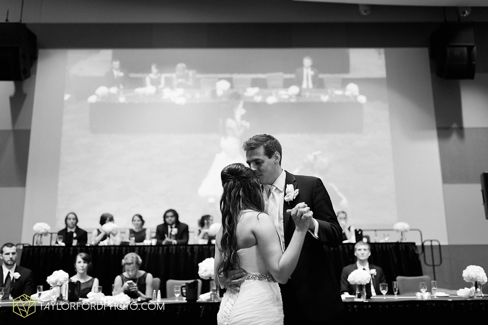 fort_wayne_indiana_wedding_photographer_taylor_ford_ipfw_ballroom_1645.jpg